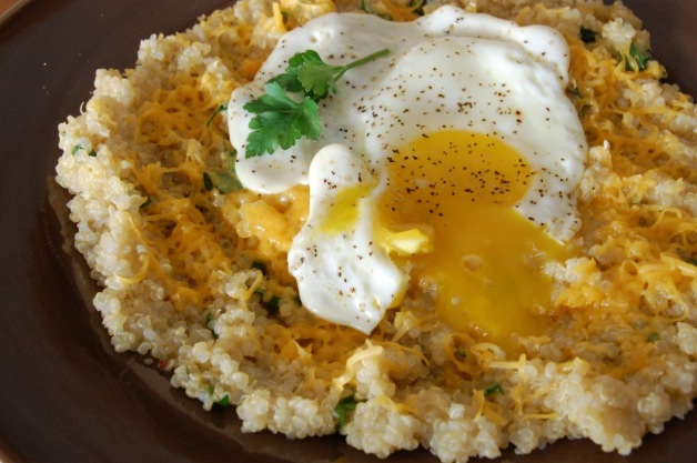 Cheesy Quinoa Grits with Egg