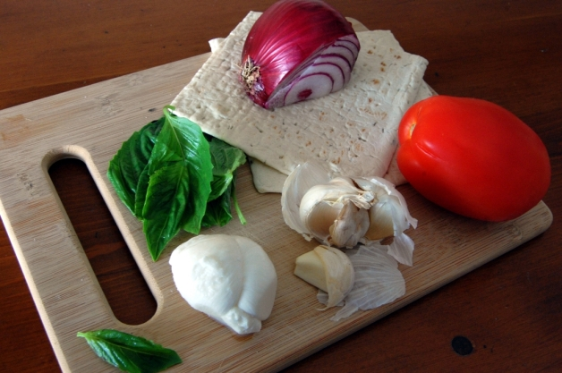Stove Top Flat Bread Pizza Margherita Ingredients